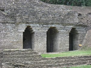 (These Corbel Arches in Tonina were built by the Mayans.)