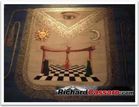 [Image: Sun-and-Moon-Masonic-Apron.jpg]