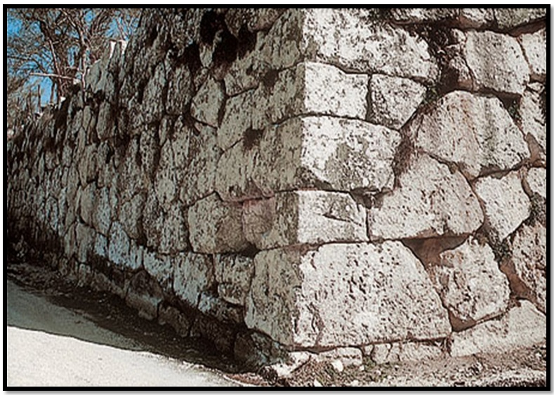 Oculto en Italia: Ruinas ciclópeas prohibidas, (¿de gigantes de la Atlántida?) Cyclopean-Ruins-Alba-Fucens-5