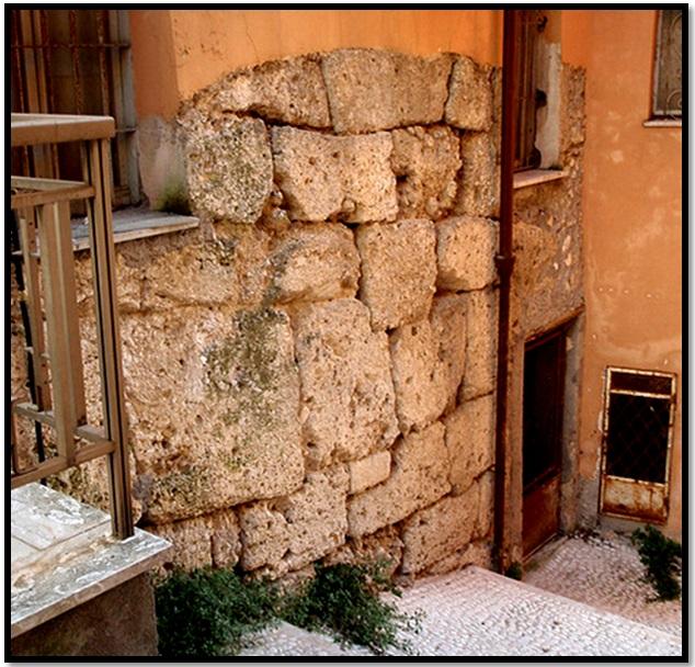 Oculto en Italia: Ruinas ciclópeas prohibidas, (¿de gigantes de la Atlántida?) Cyclopean-Ruins-Arpino-2