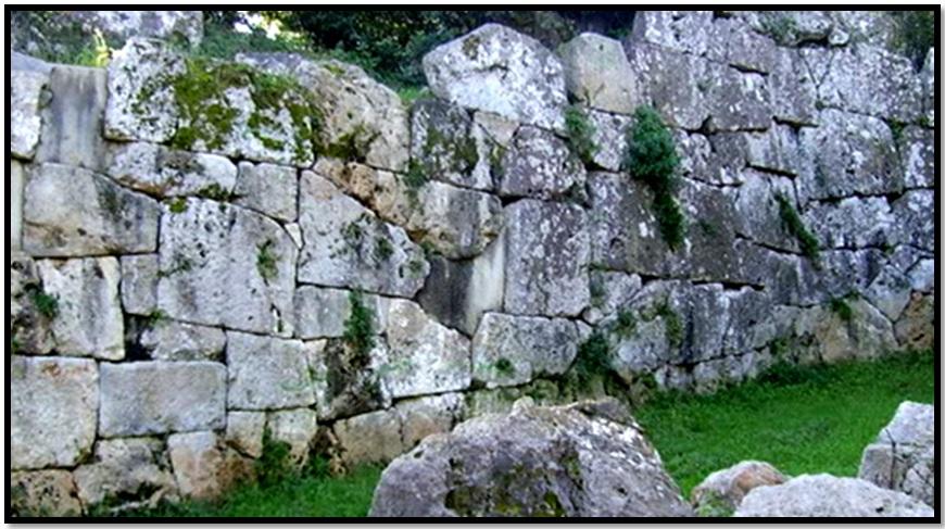 Oculto en Italia: Ruinas ciclópeas prohibidas, (¿de gigantes de la Atlántida?) Cyclopean-Ruins-Cosa-1