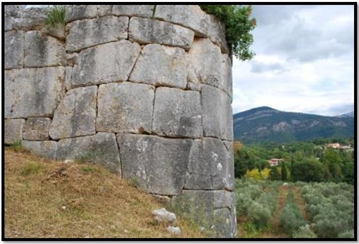 Oculto en Italia: Ruinas ciclópeas prohibidas, (¿de gigantes de la Atlántida?) Cyclopean-Ruins-Norba-Italy-32