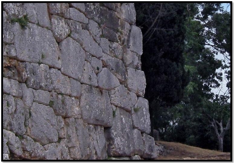 Oculto en Italia: Ruinas ciclópeas prohibidas, (¿de gigantes de la Atlántida?) Cyclopean-Ruins-Norba-Italy-6