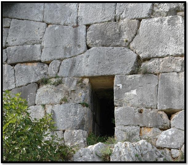 Oculto en Italia: Ruinas ciclópeas prohibidas, (¿de gigantes de la Atlántida?) Cyclopean-Ruins-Norba-Italy-7