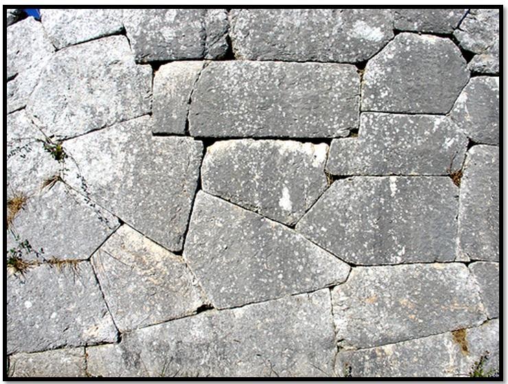 Oculto en Italia: Ruinas ciclópeas prohibidas, (¿de gigantes de la Atlántida?) Cyclopean-Ruins-Pigra-Pietrabbondante-2