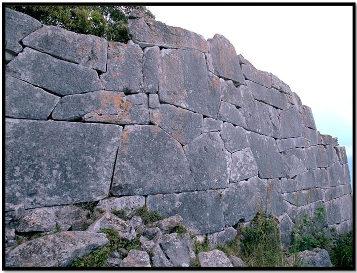 Oculto en Italia: Ruinas ciclópeas prohibidas, (¿de gigantes de la Atlántida?) Cyclopean-Ruins-San-Felice-Circeo-2