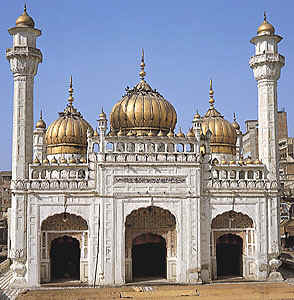 mosque_of_the_pearls